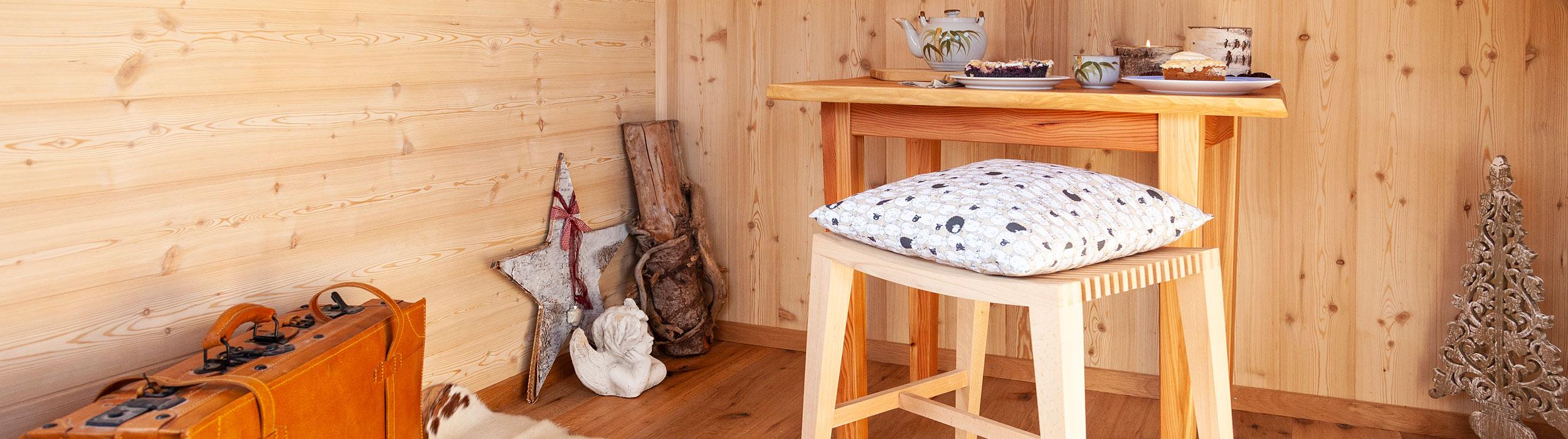 Innenraum mit Möbel und Dekoration