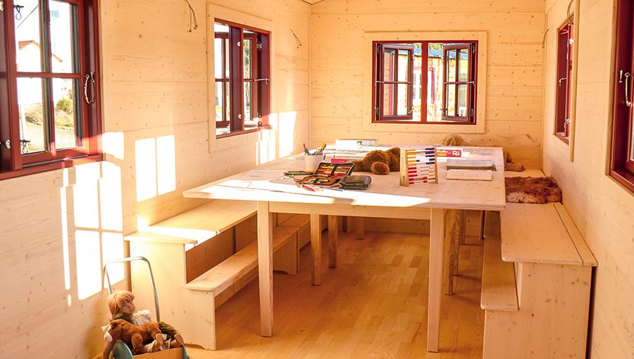 Waldkindergarten Innenraum mit dänischen Fenster offen