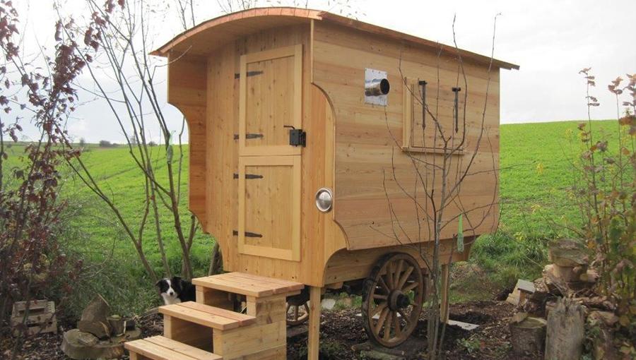 Gartenwagen mit traditionellem Anhänger