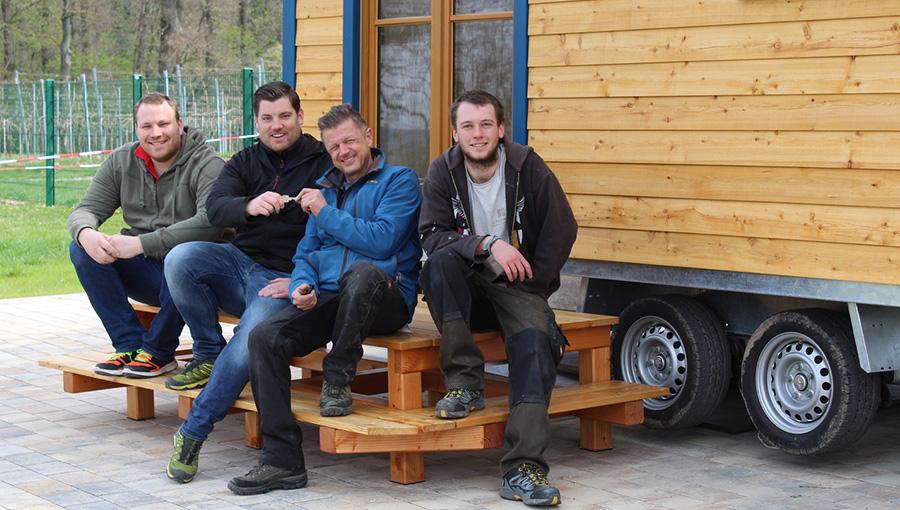 Schäferwagen mit neuen Kinderfreizeitwagen-Besitzer